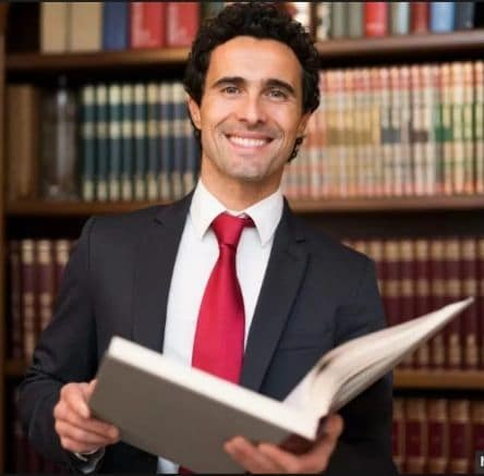 Estudiar Derecho: Datos Que Necesitas Saber De Esta Carrera